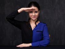 Verticale d'un brunette attirant Photographie stock libre de droits
