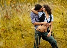 Verticale d'un couple dans l'amour Images libres de droits