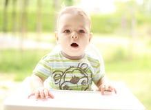 Verticale d'un enfant Photos libres de droits