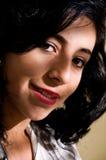 Verticale d'un femme réussi d'affaires au bureau Image libre de droits