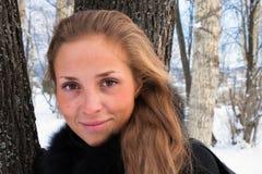 Verticale d'un hiver de fille. Photo libre de droits