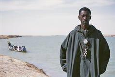Verticale d'un jeune Africain Image libre de droits