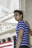 Verticale d'un jeune type Photos stock