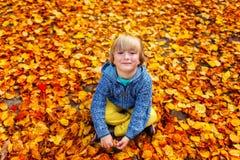 Verticale d'un petit garçon mignon Image stock