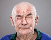 Verticale d'un vieil homme photos stock