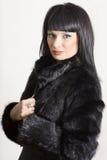 Verticale d'une belle femme élégante Photo stock