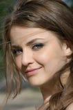 Verticale d'une belle fille blonde Photos libres de droits
