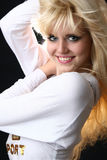 Verticale d'une belle jeune femme Photographie stock libre de droits