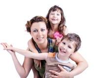 Verticale d'une famille heureuse en bonne santé et attirante Photo libre de droits