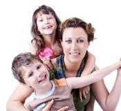 verticale d'une famille heureuse en bonne santé et attirante Photos stock