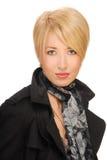 Verticale d'une femme blonde sensuelle luxueuse Image libre de droits