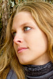 Verticale d'une femme rêvante Photographie stock