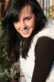 Verticale d'une fille de sourire Photographie stock libre de droits