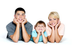 Verticale d'une jeune famille heureuse Photographie stock libre de droits
