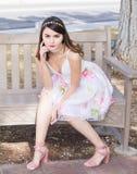 Verticale d'une jeune femme magnifique Photos stock