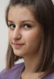 Verticale d'une jeune fille photos libres de droits