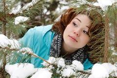 Verticale d'une jeune fille Photo libre de droits