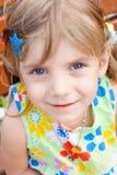 Verticale d'une petite fille de beauté Photos stock