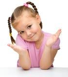 Verticale d'une petite fille mignonne Image stock