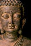 Verticale d'une statue de Bouddha images libres de droits