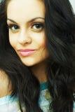 Verticale de beau jeune brunette sexy Images libres de droits