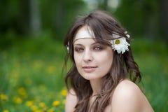 Verticale de belle femme Photo stock