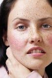 Verticale de belle femme de brunette image libre de droits