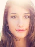 Verticale de belle fille Photos libres de droits