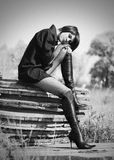 Verticale de belle jeune fille Photographie stock