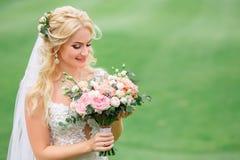 Verticale de belle mariée Image stock