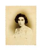 Verticale de cru d'un jeune femme photos stock