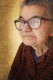 Verticale de dame âgée photos libres de droits