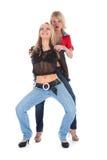 Verticale de deux filles amoureuses photos libres de droits