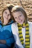 Verticale de deux petites filles Images stock