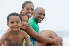Verticale de famille photo libre de droits