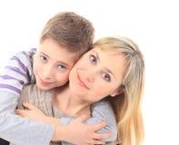 Verticale de famille de mère et de fils Photographie stock libre de droits