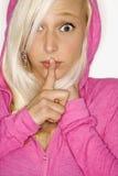 Verticale de femme blonde. Photographie stock libre de droits