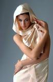 Verticale de femme de brune Photographie stock