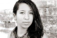 Verticale de femme de couleur Photos libres de droits