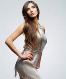 Verticale de femme de mode Jeune modèle femelle Images stock