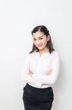 Verticale de femme de sourire d'affaires, d'isolement sur le fond blanc photos stock