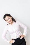 Verticale de femme de sourire d'affaires, d'isolement sur le fond blanc images stock