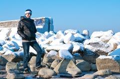 Verticale de femme enceinte de l'hiver Photos libres de droits