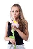 Verticale de fille avec la fleur de peluche Images libres de droits