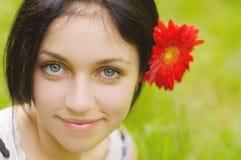Verticale de fille de beauté Photographie stock libre de droits