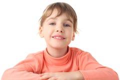 Verticale de fille de sourire dans le chandail mince Photo stock