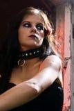 Verticale de fille gothique photos libres de droits