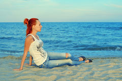 Verticale de fille red-haired heureuse Image stock