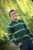 Verticale de garçon de 11 ans image libre de droits