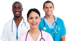 Verticale de jeune équipe médicale Image stock